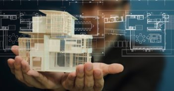 Mężczyzna podczas tworzenia wizualizacji domu