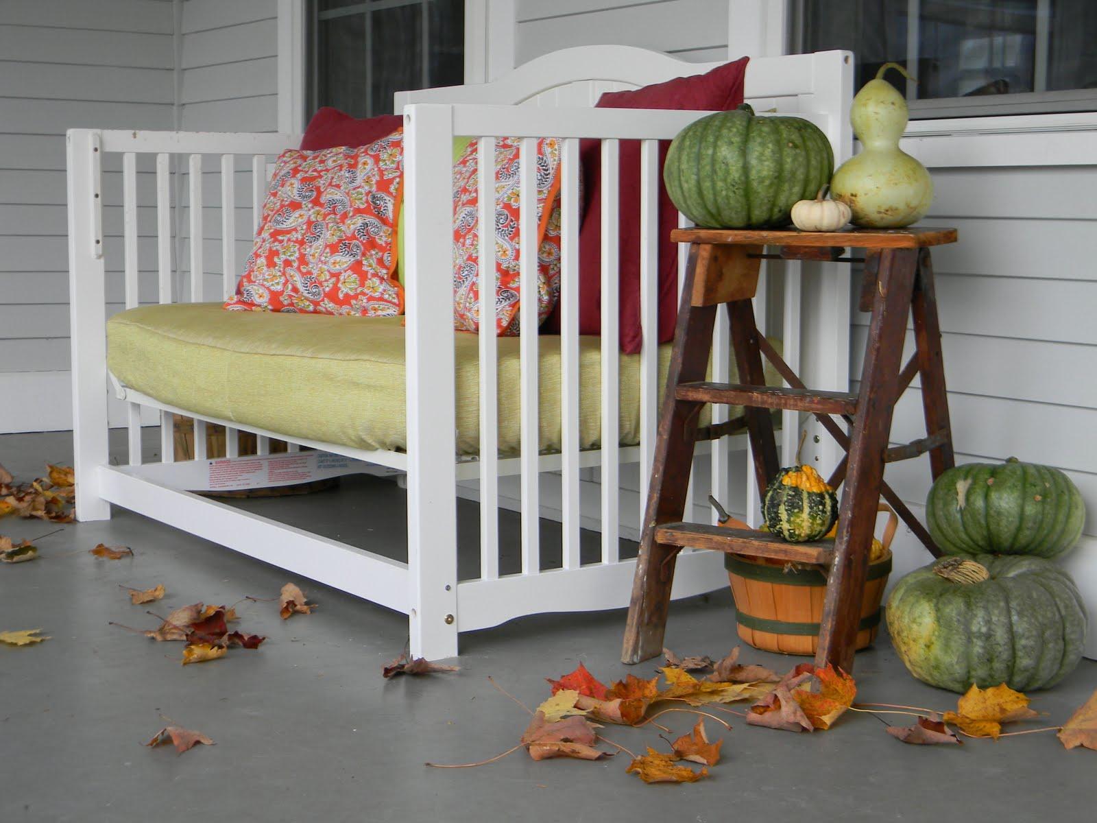 Ławka ogrodowa z łóżeczka dziecięcego