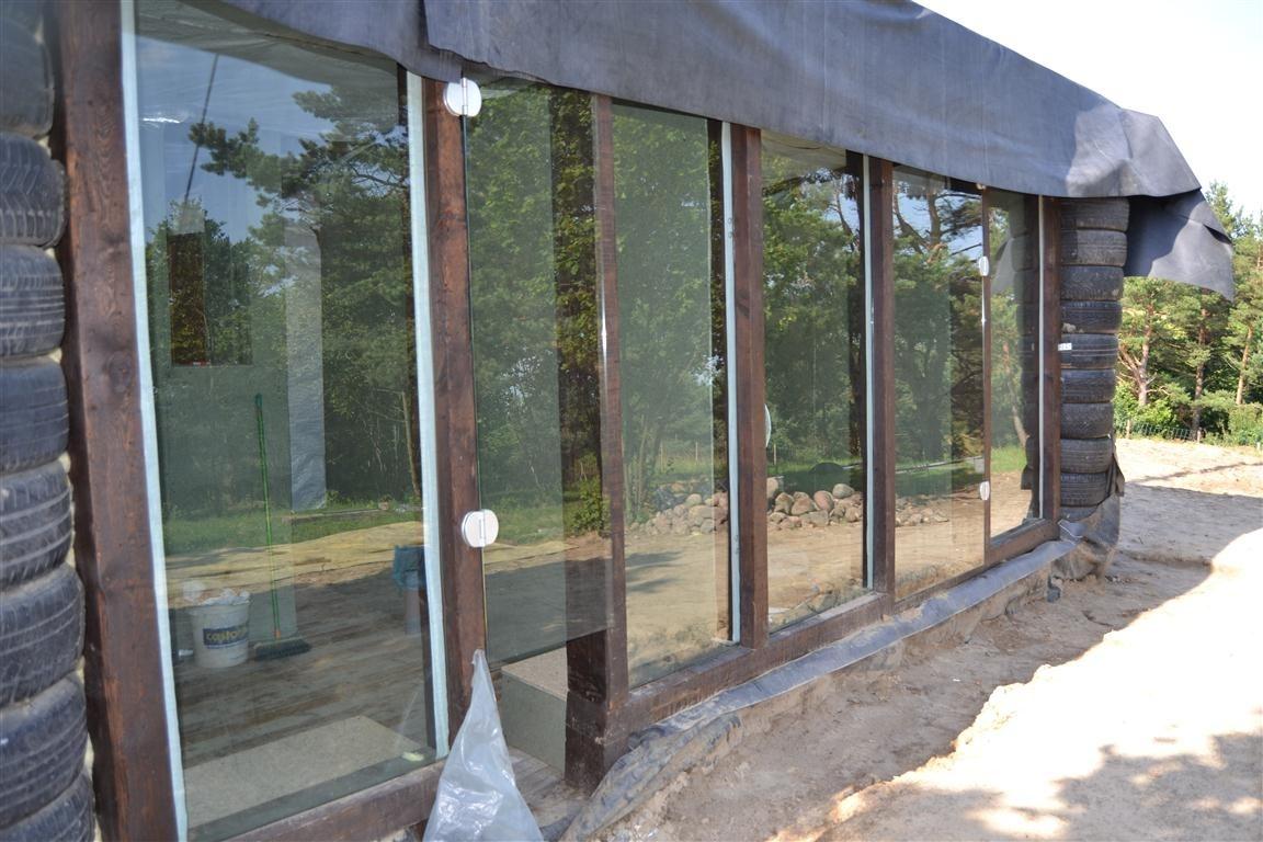 Opony wykorzystane do budowy domu