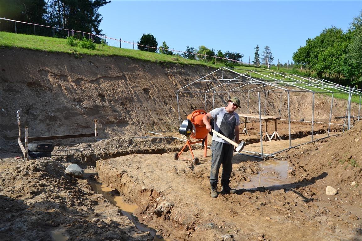 Budowa pierwszego earthshipa w Polsce