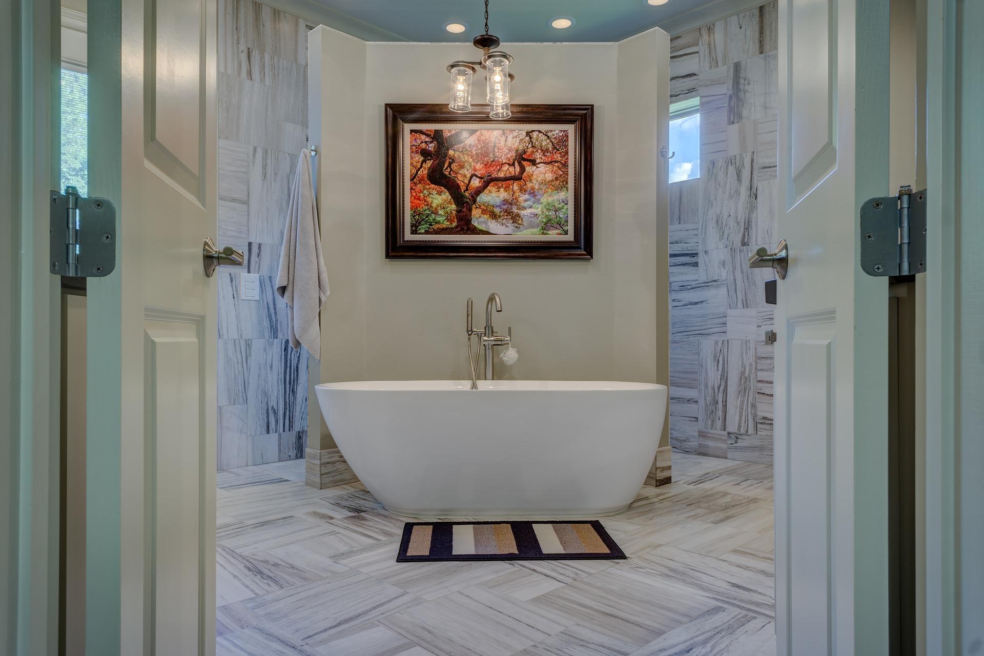 Ekskluzywna łazienka z wanną na środku