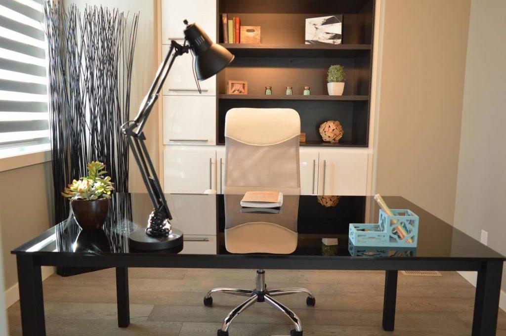office-1078869_1920_OTW