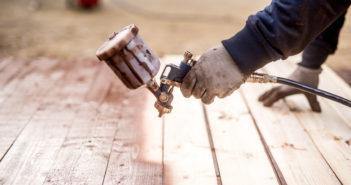 Malowanie drewna pistoletem
