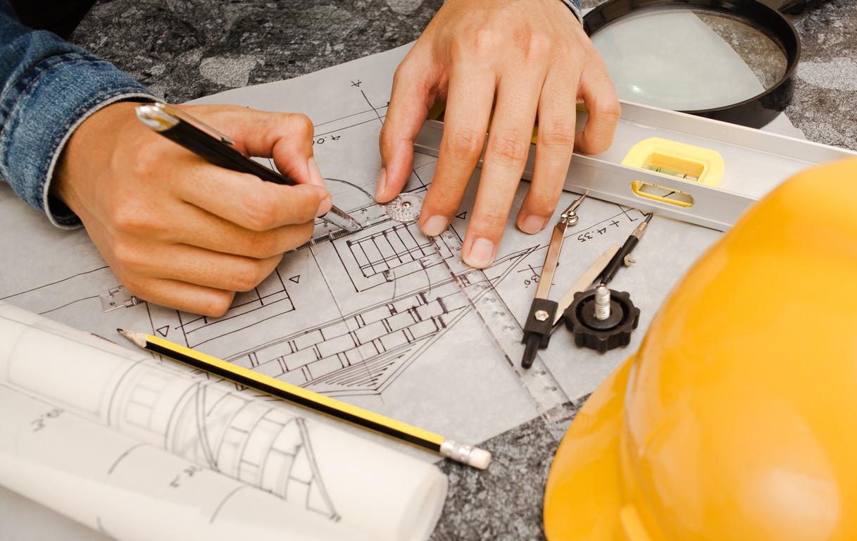 Architekt przy projekcie